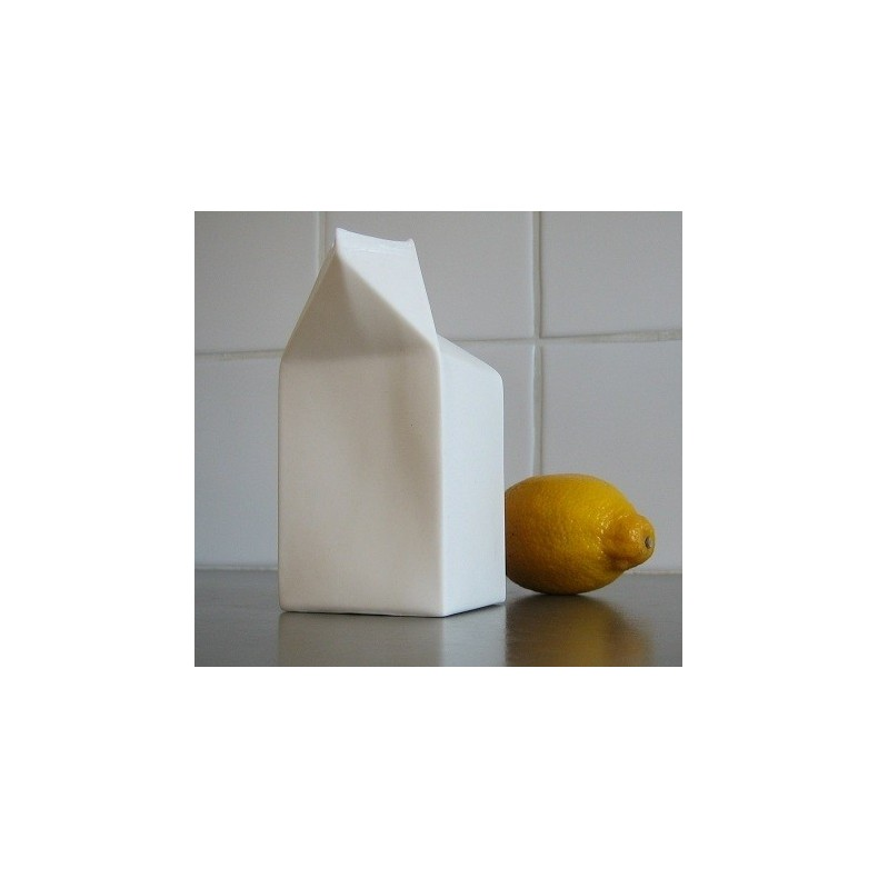 porcelain cream carton carafe vase en porcelaine sucre et lait arts de la table design finnova. Black Bedroom Furniture Sets. Home Design Ideas