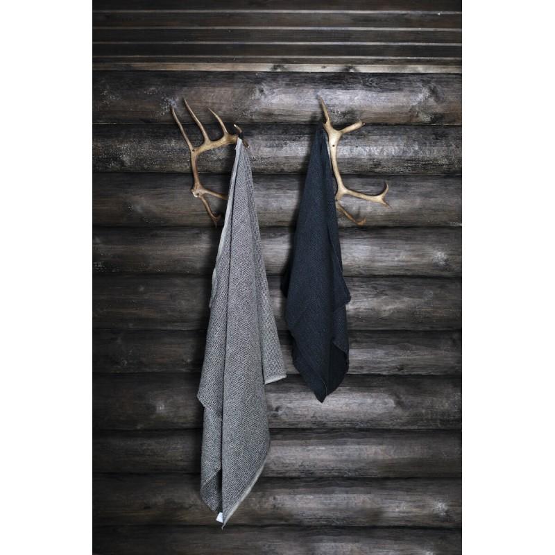 terva bath towel by the finnish weaver and design house lapuan kankurit at finnova shop paris 5